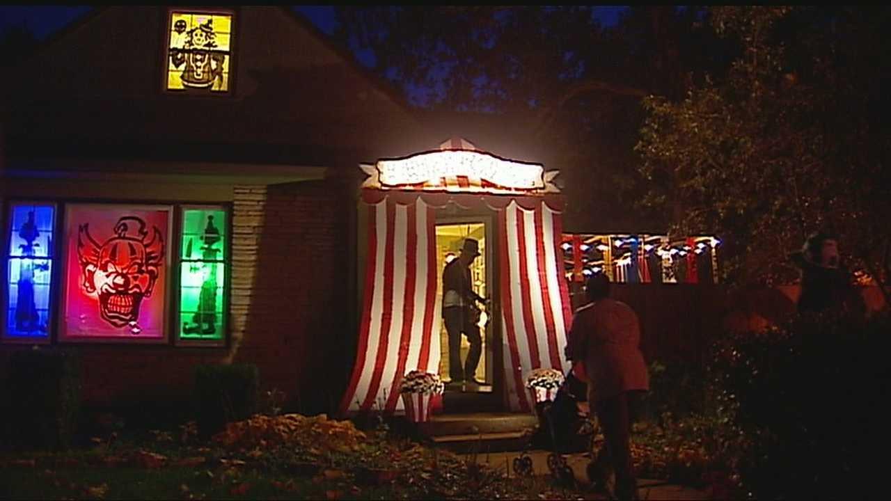 Image Waldo homeowner puts on spooktacular show