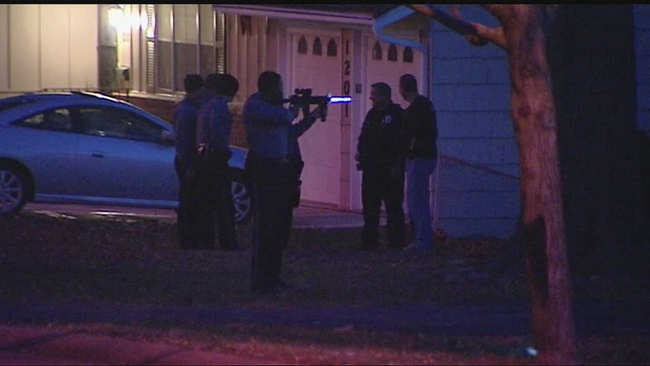 Kansas City police have arrested one man, but they're still trying to find a second, after a high-speed chase that ended in a south Kansas City neighborhood.