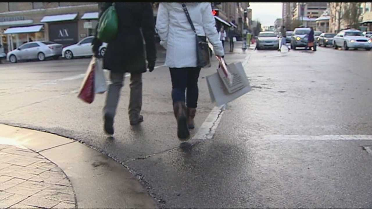 Holiday shoppers hit the Plaza