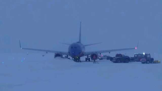 Southwest Airlines flight stuck at KCI 1