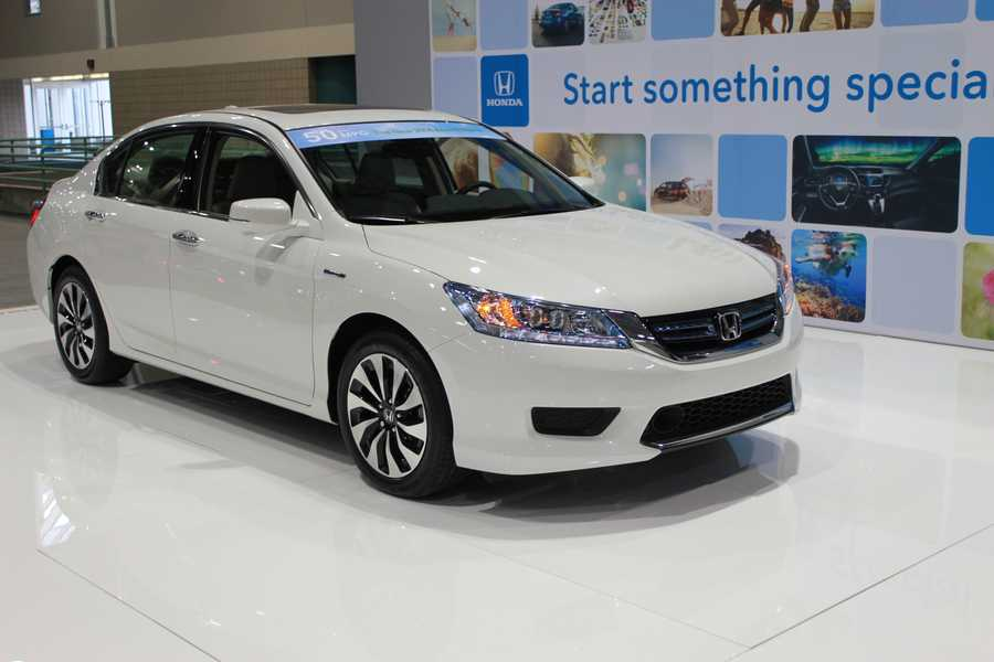 The newest Honda Accord Hybrid is boasting 50 miles per gallon.