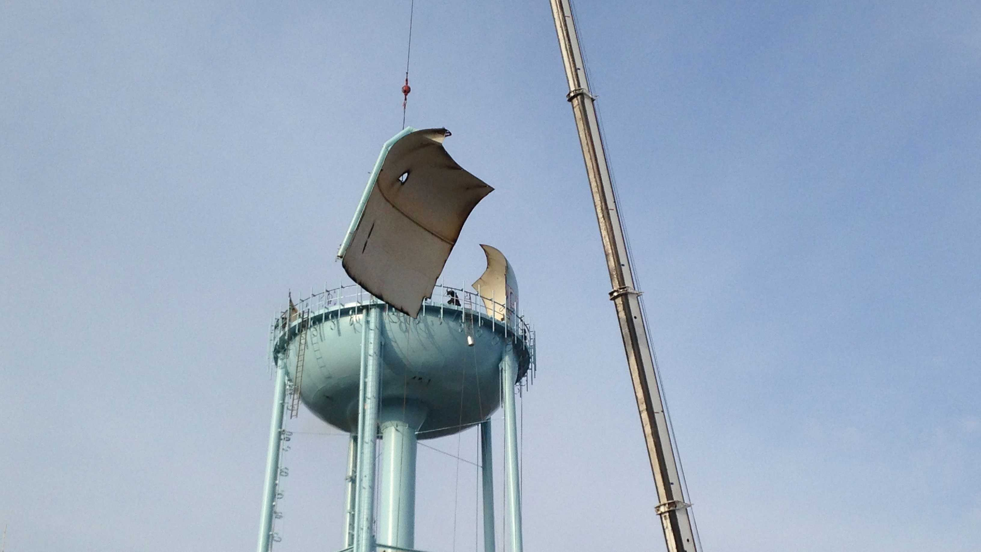 Blue Springs water tower dismantling image 2