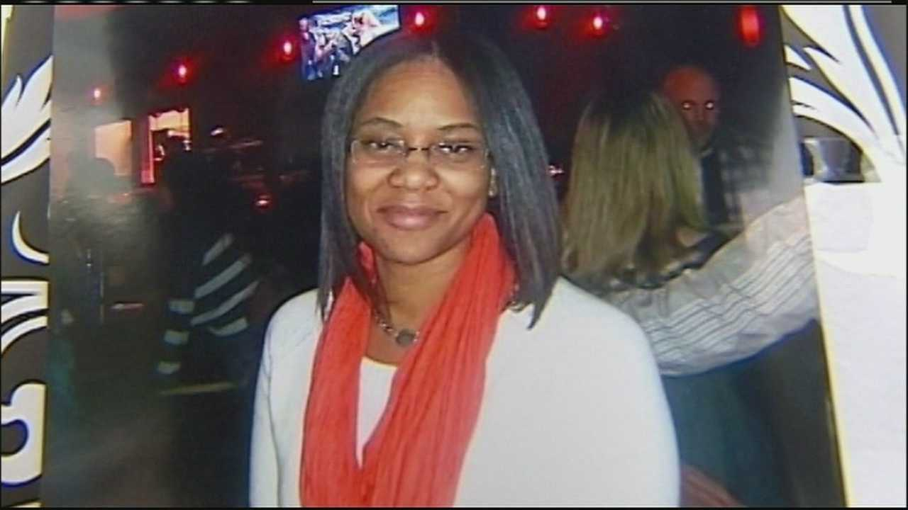 Friends and family of Adoria Verser gathered to remember the mother of five who was taken off life support earlier in the day. Police said her boyfriend mortally wounded her before taking his own life.