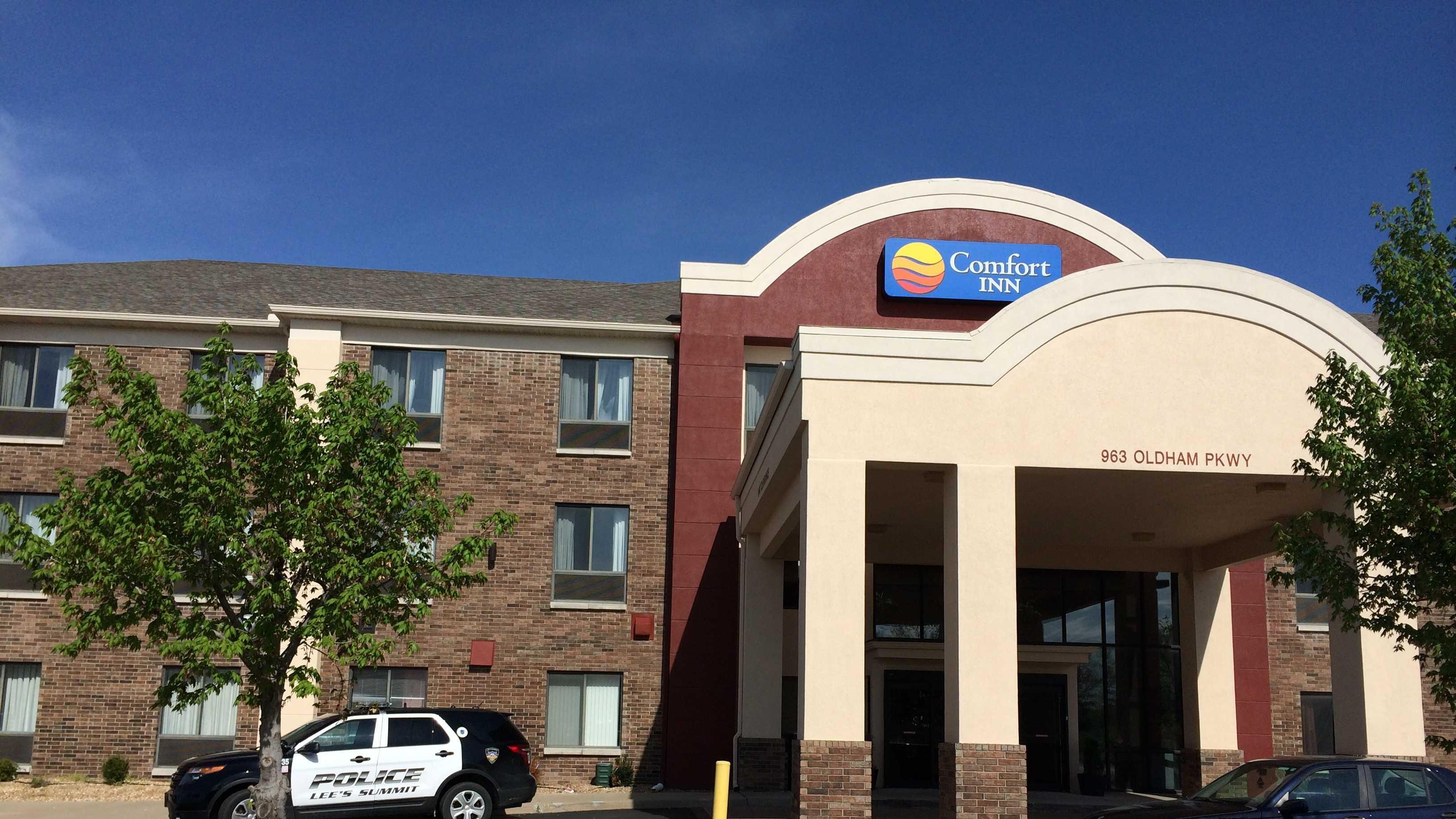 Lee's Summit death investigation, Comfort Inn