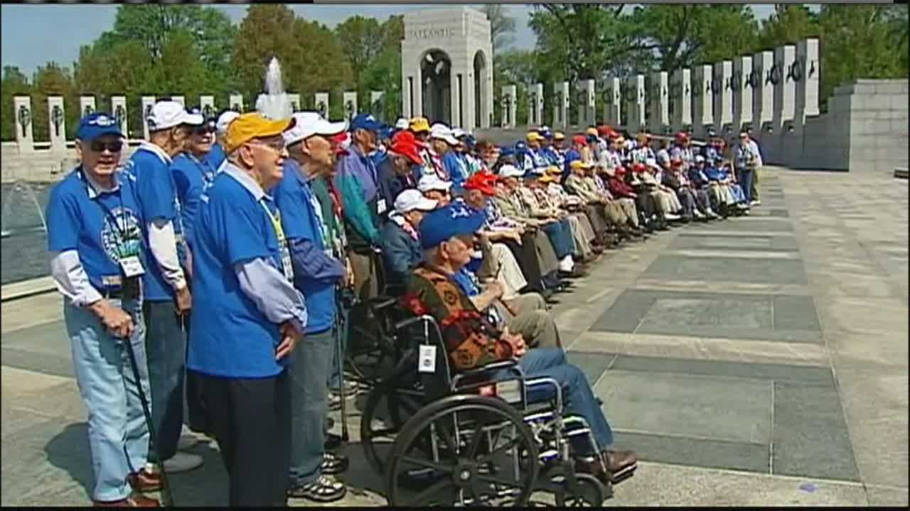 A record-setting number of veterans from the Kansas City region made an Honor Flight to Washington, D.C., on Tuesday to see the World War II Memorial and other sights.