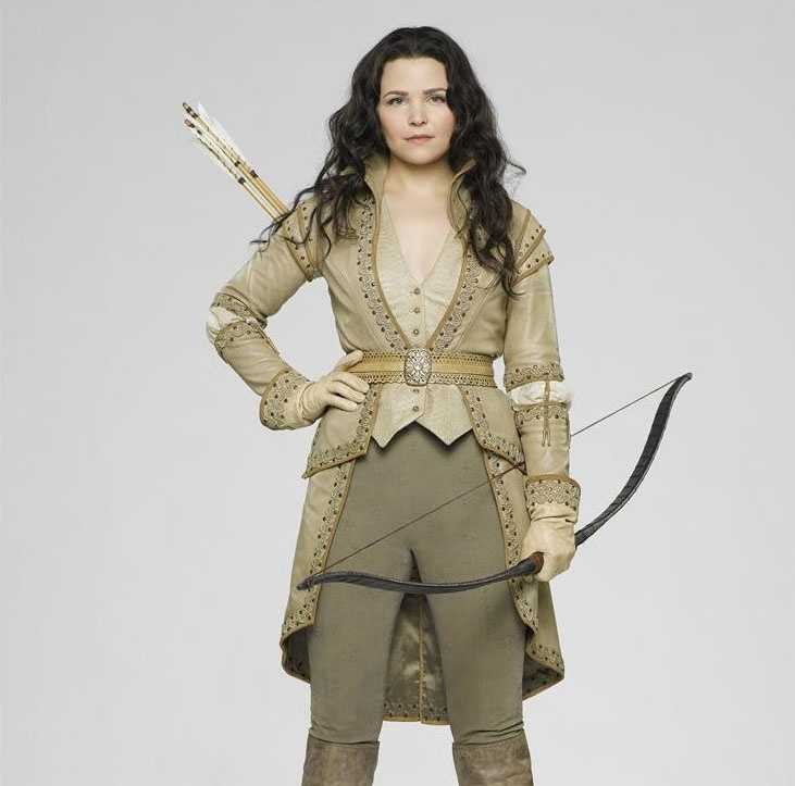 """Once Upon a Time"" returns Sundays at 8 p.m. ET/7 p.m. CT"
