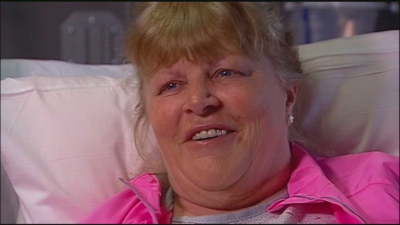 Doctors said a woman's decision to call 911 immediately after noticing the symptoms of a massive stroke meant that she was able to make a quick recovery and get out of a hospital just four days later.