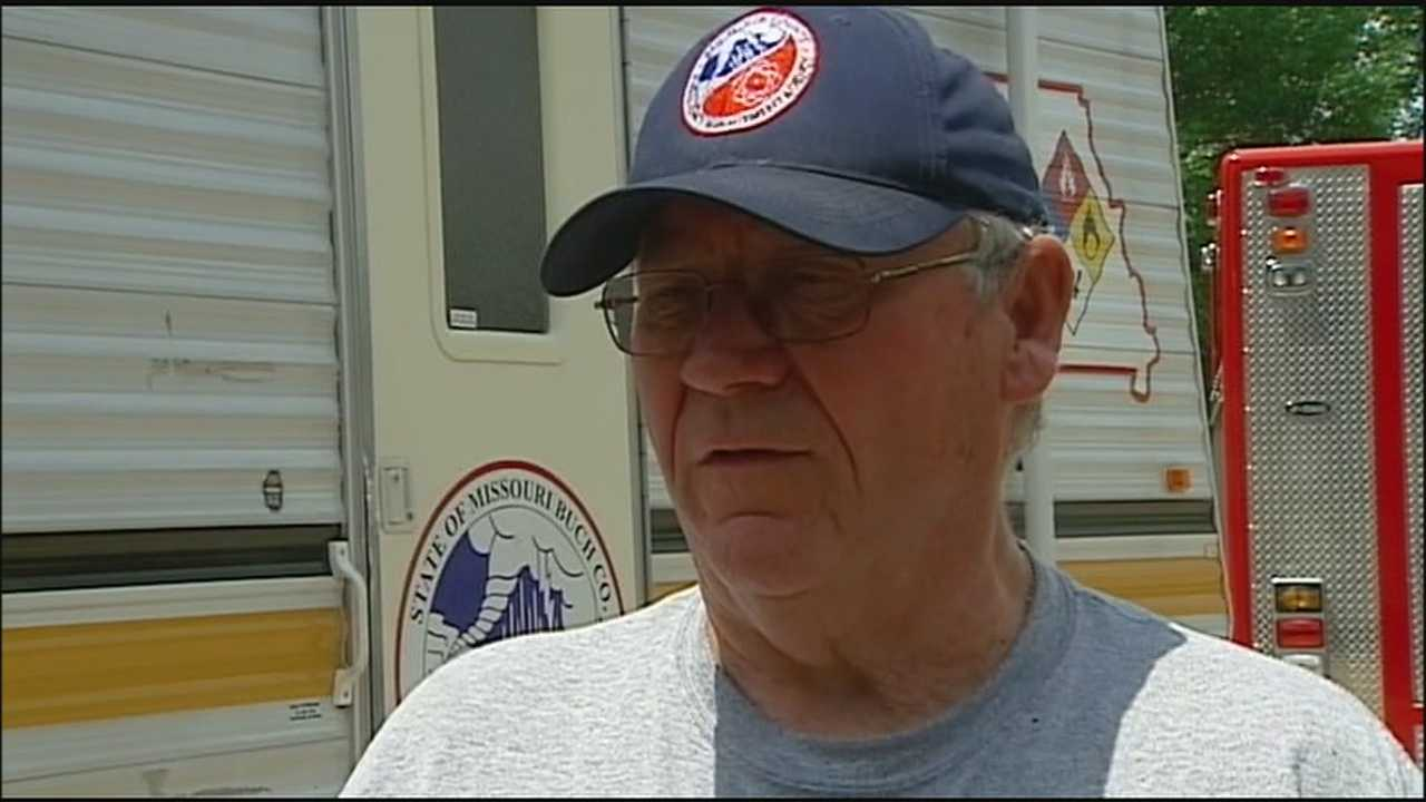 When the chance of severe weather exists, Buchanan County Emergency Services Director Bill Brinton sends out frequent updates to about 175 St. Joseph businesses and state agencies. He said that network gives him many more eyes watching the skies.