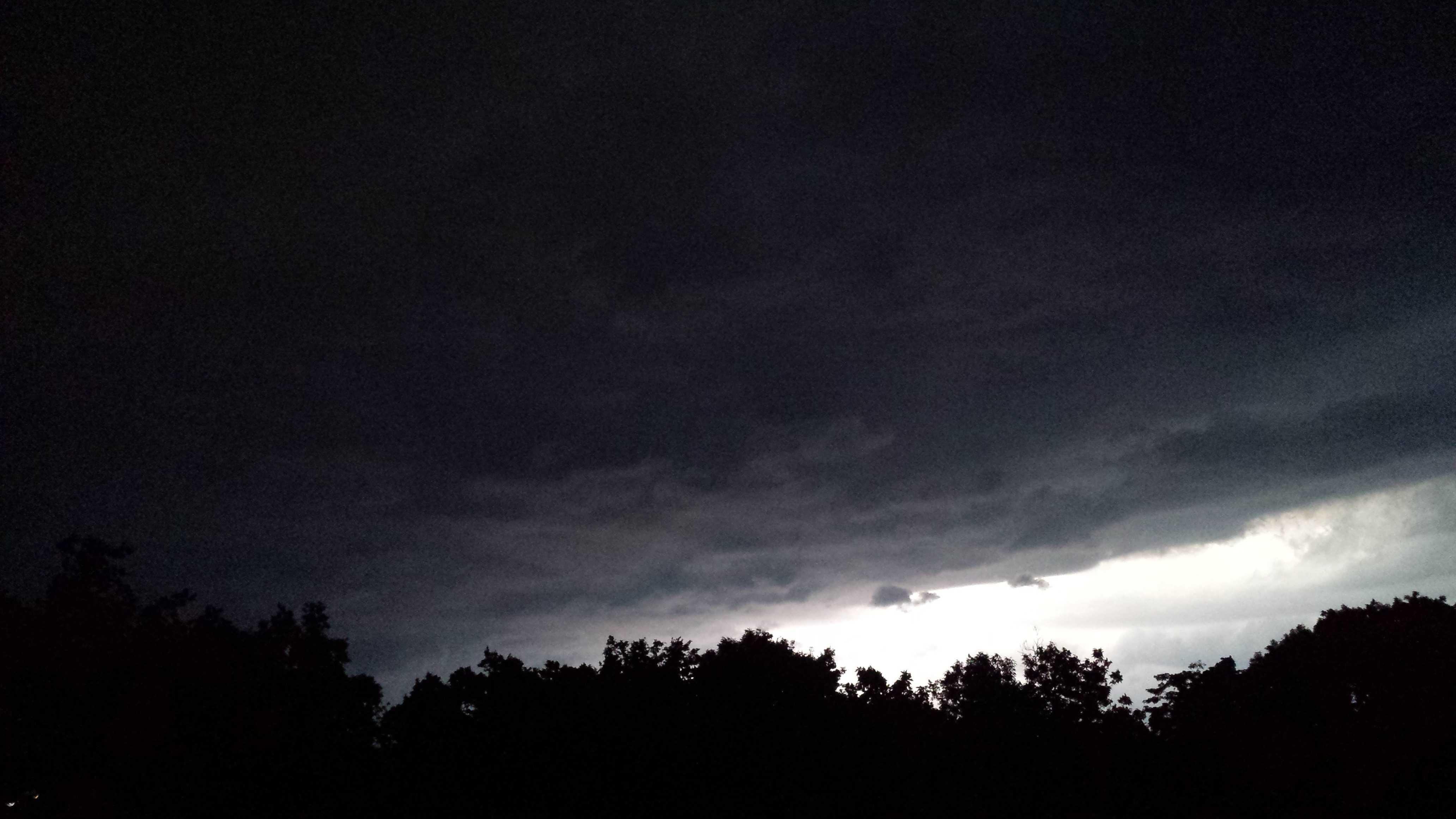 Lightning u Local image