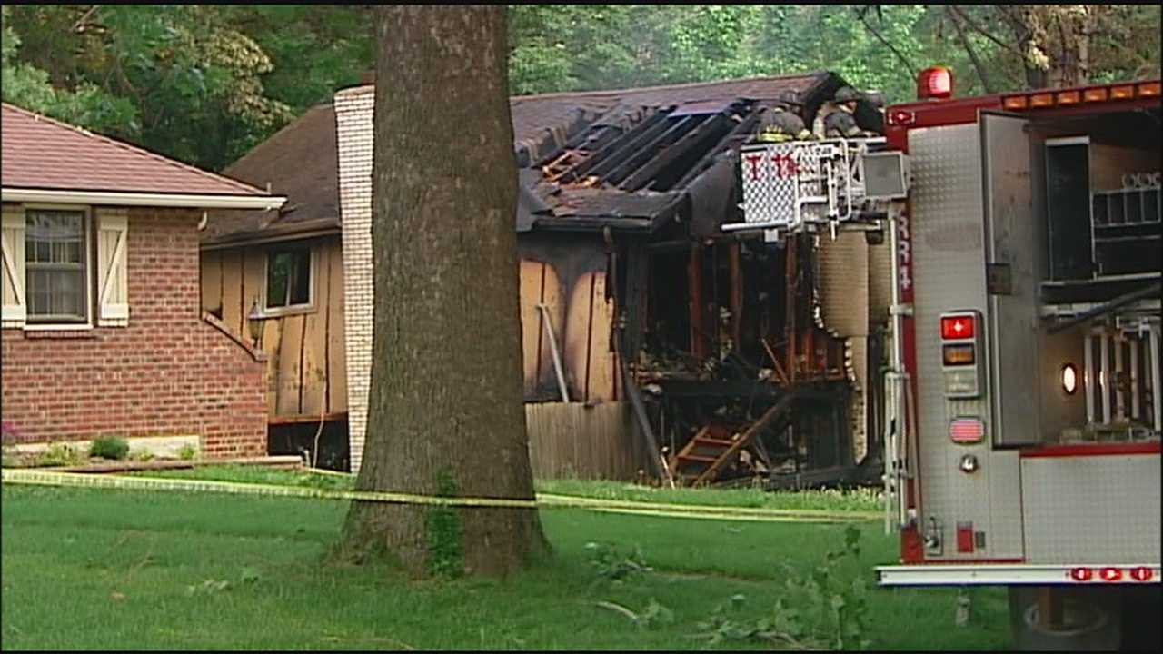 Explosion rocks house in southeast KC, injuring 5