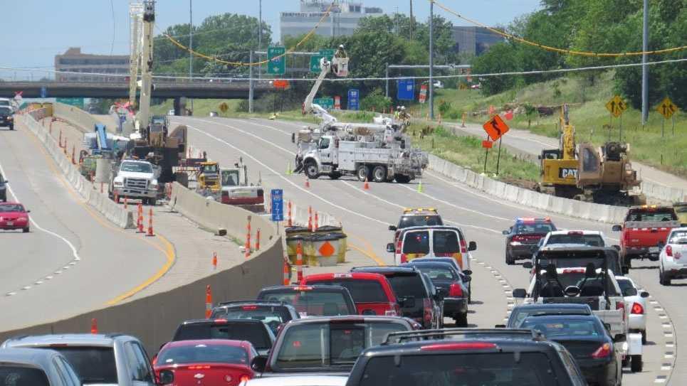 I-435, Roe, Power lines droop