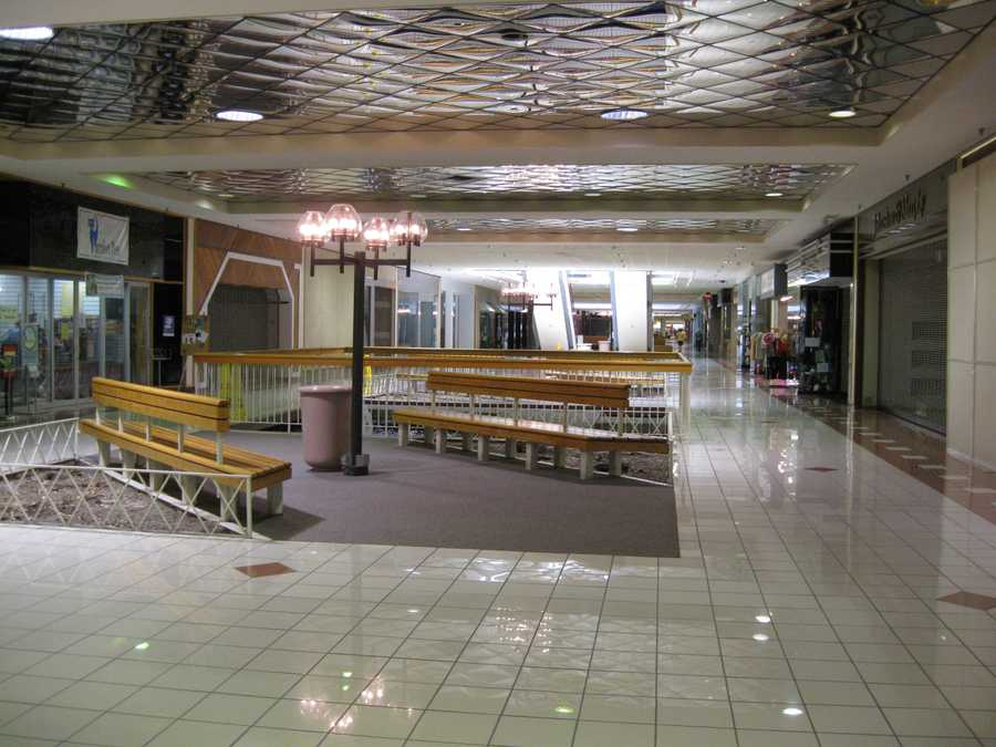 The mall's other remaining tenants have been asked to leave before the end of the summer.