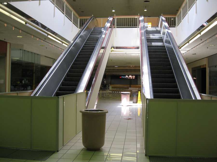 The escalators from the second floor to the third have been blocked for years.