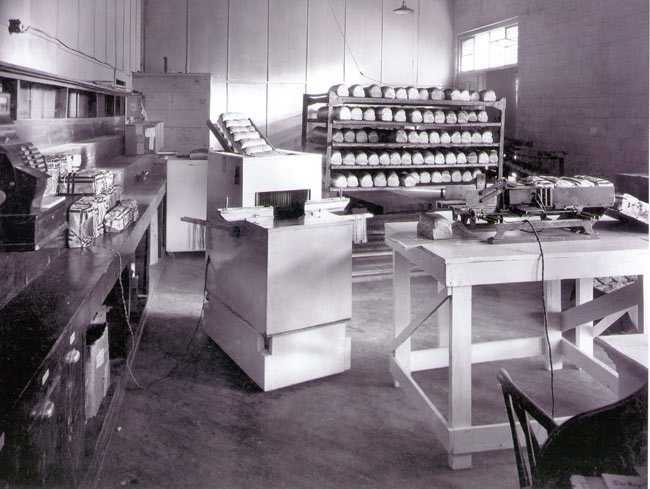 1928: Sliced bread is sold for the first time by the Chillicothe Baking Company of Chillicothe, Missouri.