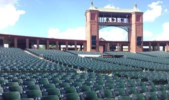 """KMBC 9 News """"Hometown Weather"""" tour takes a seat at Starlight Theatre before Tuesday's show."""