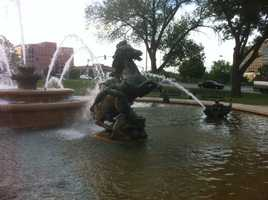 What's Kris' favorite fountain in Kansas City? The JC Nichols Fountain.