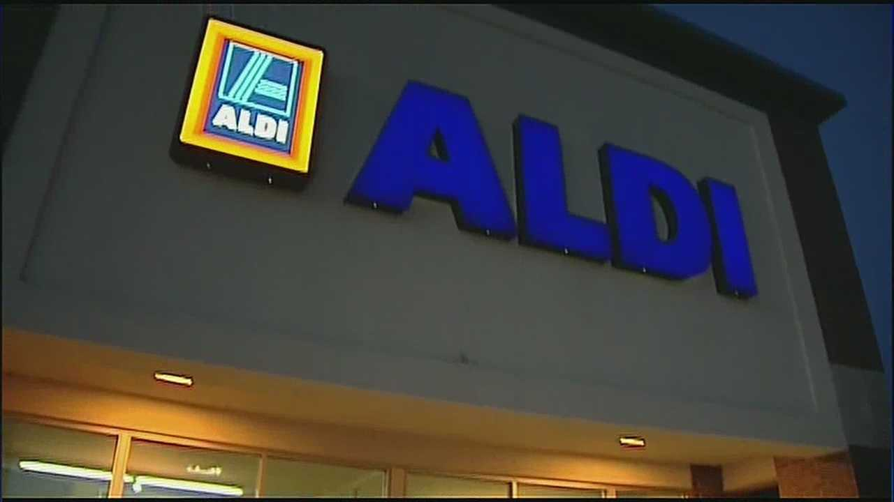A job fair for Aldi food stores in Overland Park generated a lot of interest on Monday, especially because of the higher pay and the benefits the company offers to some of its part-time workers.