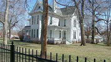 """What's Donna's favorite place in the Kansas City area to visit? """"I think the Truman Home & Libraries are musts – followed by lunch & shopping on the Independence Square,"""" Donna said."""