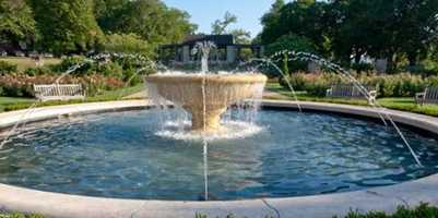 Which KC fountain is Erin's favorite? Loose Park Rose Garden Fountain