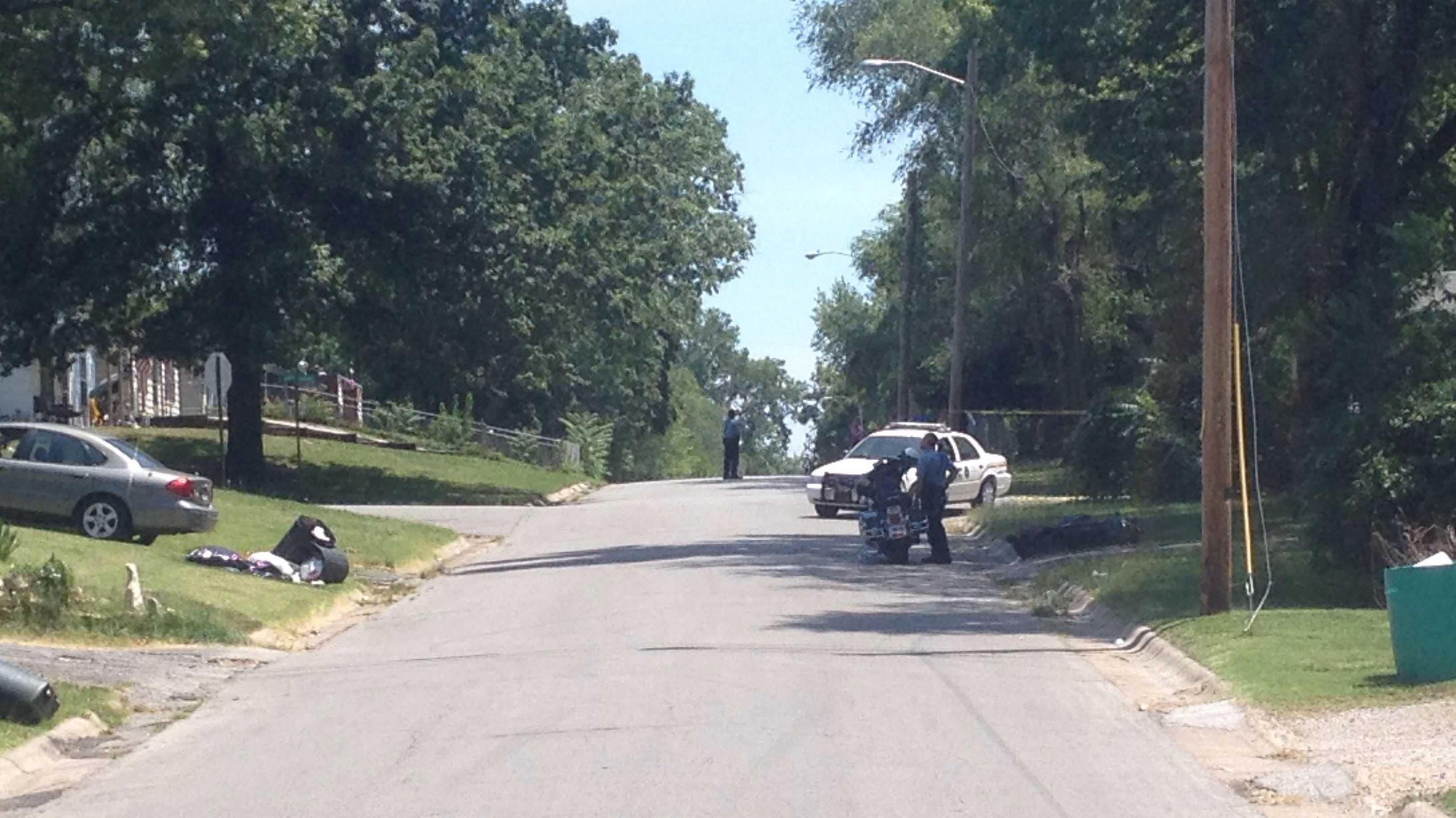 KCK standoff, 49th, Oak Grove Road