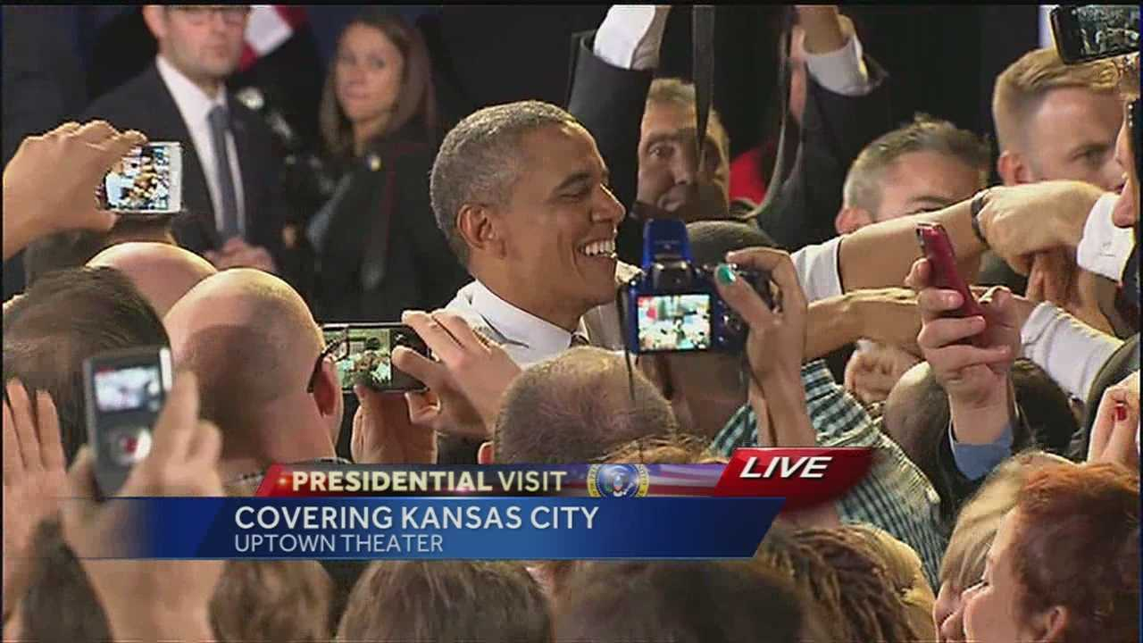 President Obama shaking hands at Uptown Theater