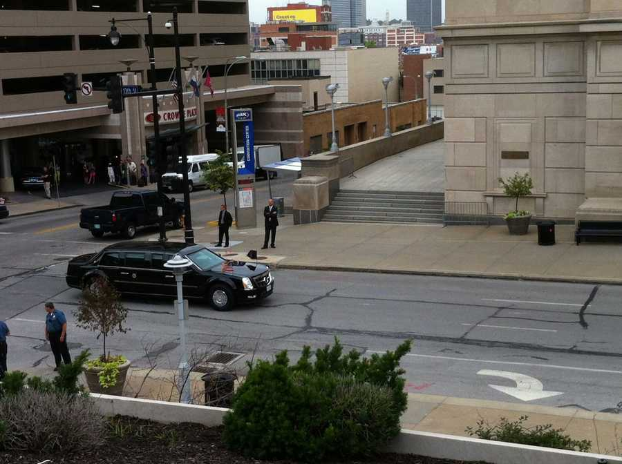 President Obama's motorcade heads toward the Uptown Theater for his speech.