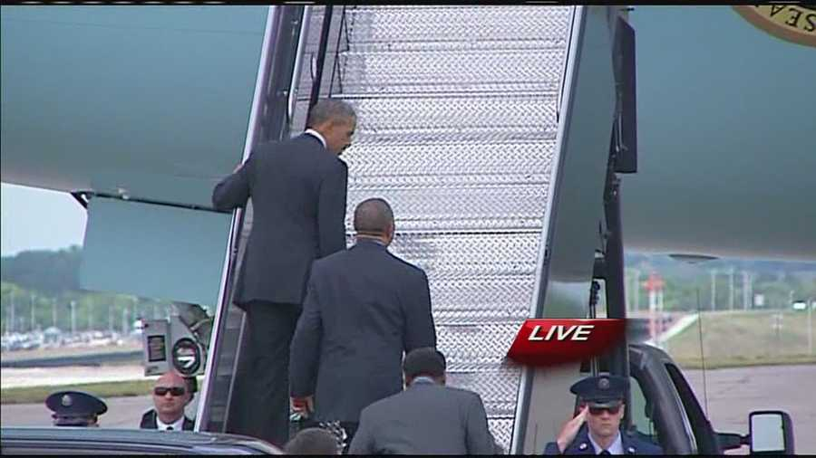 The president boards Air Force One for the trip back to Washington, D.C.