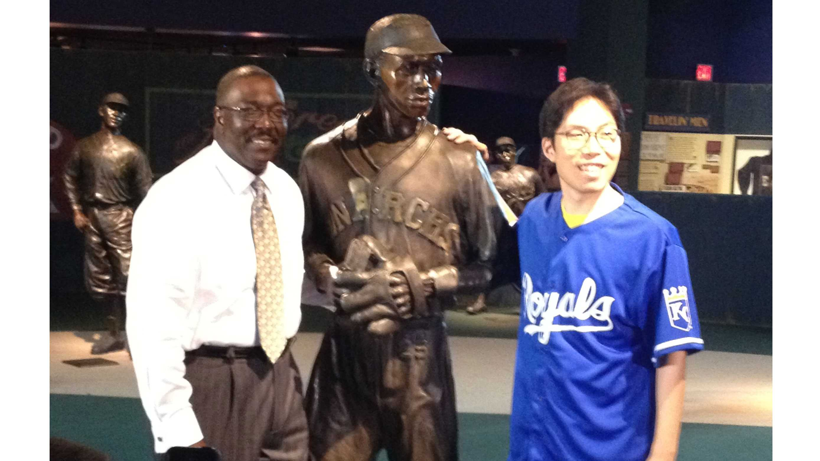 SungWoo Lee visits Kansas City's Negro Leagues Baseball Museum. He posed for a picture with NLBM President Bob Kendrick.