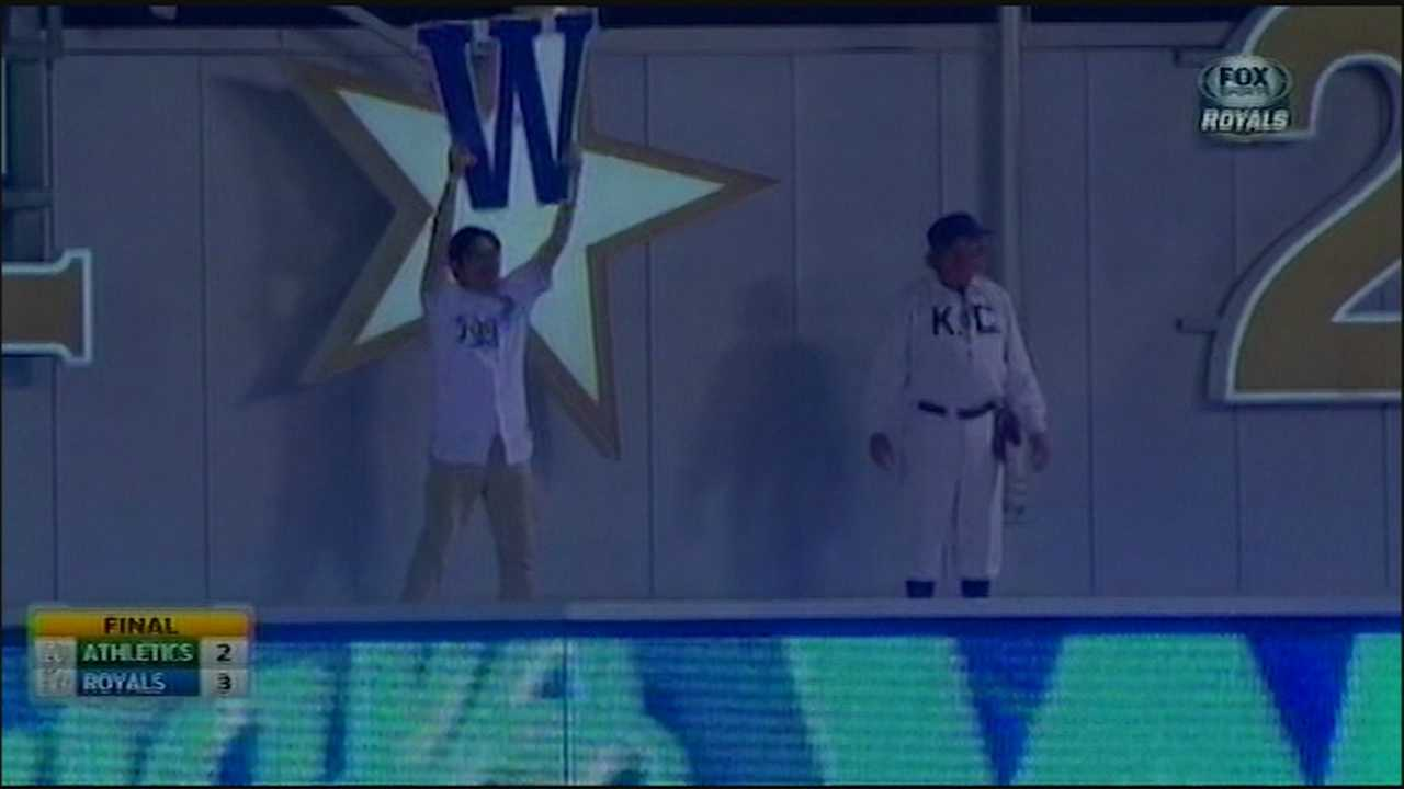 SungWoo Lee with W after Royals win