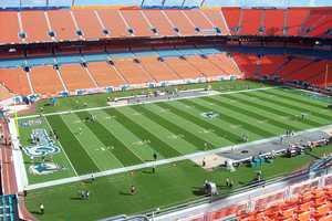 16.) Miami DolphinsCurrent Value: $1.3 billion1 Year Change: +21%Revenue: $ 281 million