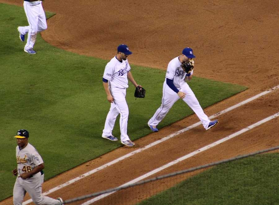 The Kansas City Royals host the Oakland Athletics in the AL Wild Card game. James Shields strikes out two batters in a scoreless top of the fifth inning.