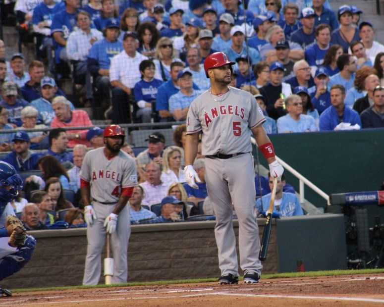 Royals host the Angels in Game 3 of the ALDS.  Angels first baseman Albert Pujols hits a home run in the top of the 4th inning, making it a 5-2 Kansas City lead.