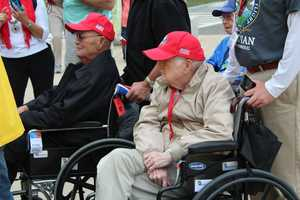 Heartland Honor Flight veterans visit the World War II Memorial in Washington, D.C.