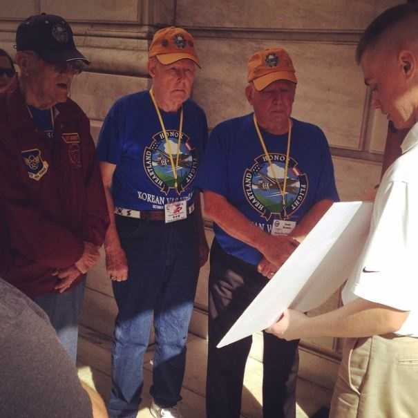 Heartland Honor Flight veterans Lou Ramsey, Bob Jones, Charlie Siebert and Richard Hyder prepare to lay a wreath at the Tomb of the Unknowns.