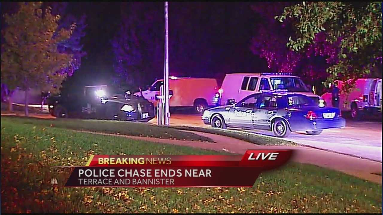 Four people were arrested following an early morning police chase in the Kansas City metro.