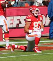 Travis Kelce scored a Chiefs touchdown in the 2nd quarter.