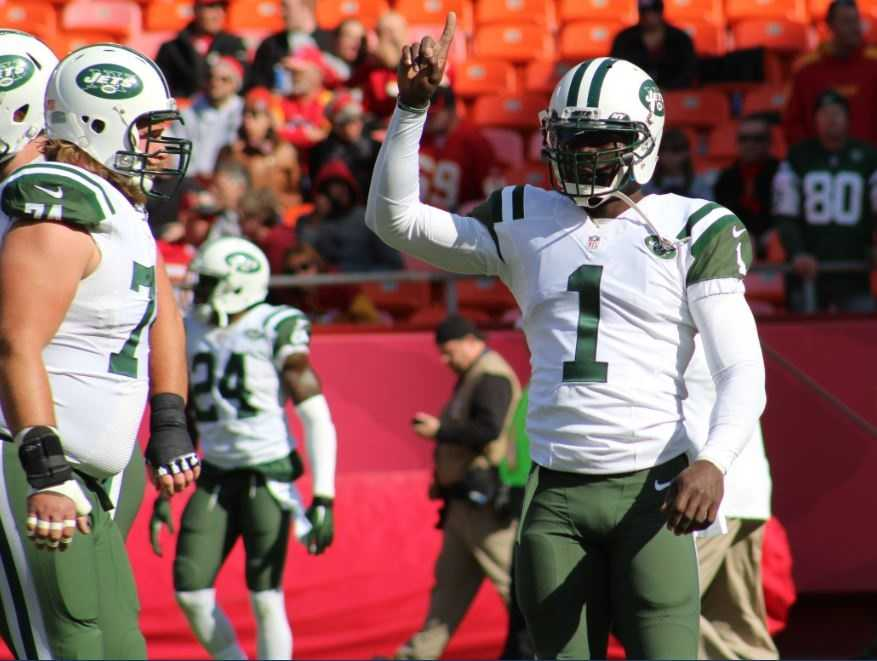 Jets quarterback got his first start of the season for New York, replacing a struggling Geno Smith. Vick threw for 196 yards and a touchdown with no interceptions. The Jets also played quarterback Matt Simms for a stint during the fourth quarter.