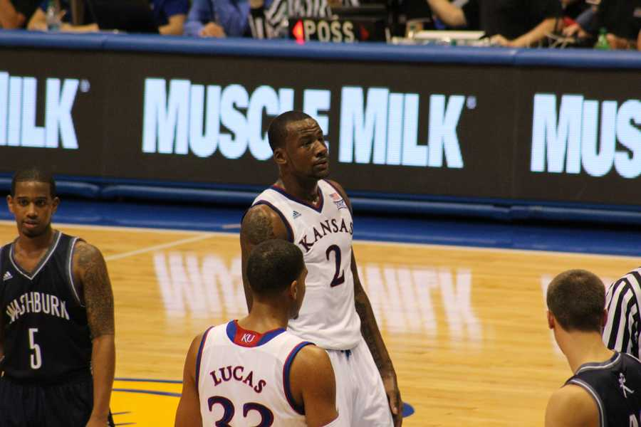 Cliff Alexander probably doesn't need the muscle milk advertised in the background.  The freshman from Chicago is listed at 6 foot 8 inches, weighing 240 pounds.  Alexander is listed as the third overall recruit in ESPN's top 100.