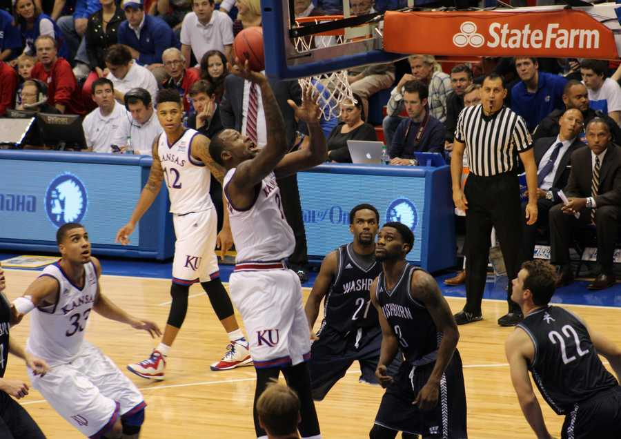 Cliff Alexander scored 14 points.
