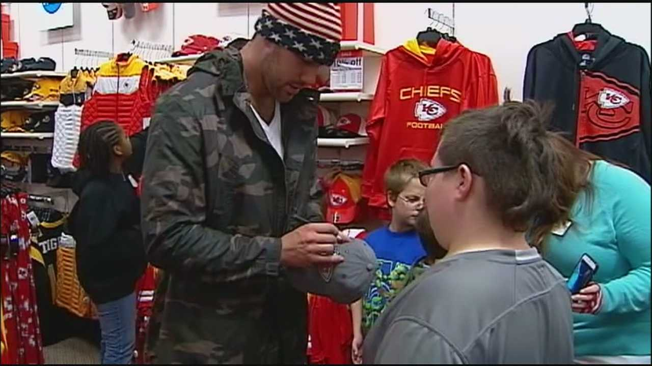 Kansas City Chiefs tight end Travis Kelce stepped in for an ailing Eric Berry and took part in a holiday shopping trip with 100 kids at a J.C. Penney store in Independence.