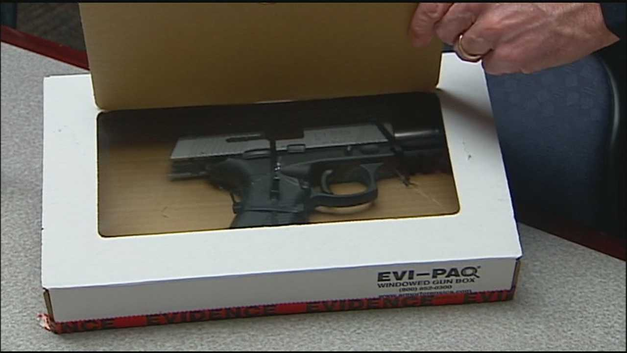 Lawmakers in both Kansas and Missouri are pushing a common anti-violence bill that would allow police to temporarily take guns out of the hands of people who pose a risk of hurting themselves or others.
