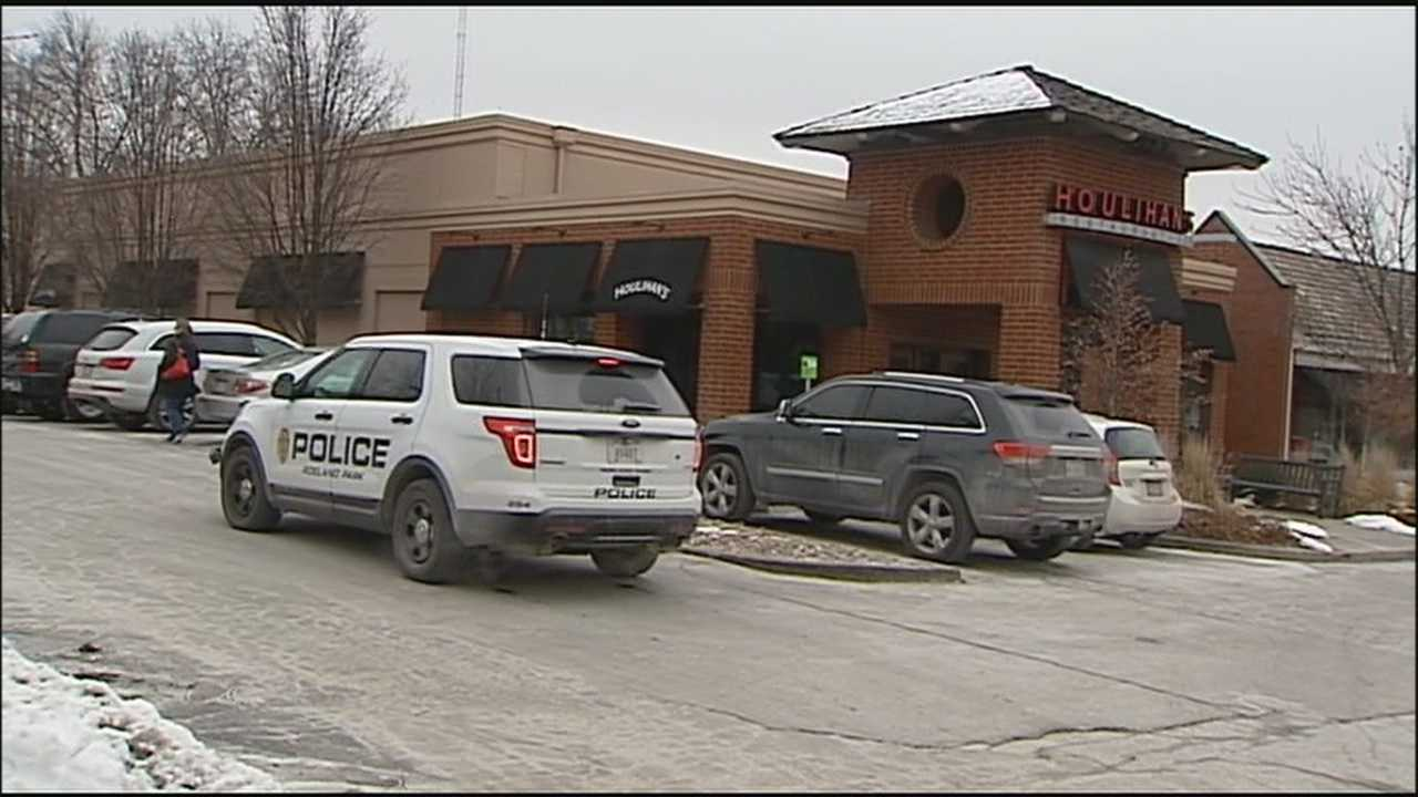 The mugging of an employee outside a popular Fairway restaurant late Thursday morning shares similarities to other recent robberies.