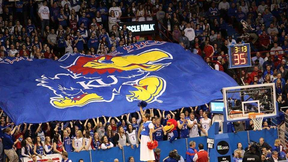 Kansas basketball takes sole possession of Big 12 title in dramatic fashion.