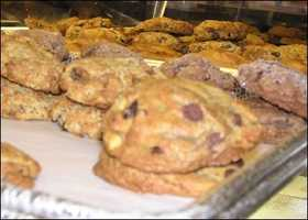 The Classic Cookie:(4 stars, 68 reviews)A neighborhood spot with a delicious breakfast menu, plus COOKIES?! Yes, please. Thisgem is a favorite on Yelp.