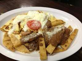 El Salvadoreño:(4.5 stars, 122 reviews)El Salvadoreño serves a savory, Latin American breakfast in the heart of the charmingDowntown Overland Park neighborhood. You'll find combinations of eggs, pork, avocado,chorizo and amazing pupusas.