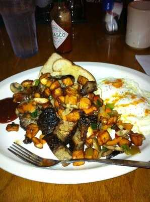 RJ's BobBeQue: (3.5 stars, 164 reviews)Kansas Citians could eat BBQ for every meal, so why not try a BBQ brunch? RJ's big country breakfasts all sound amazing, and the most reviewed favorite is their Burnt End Hash.