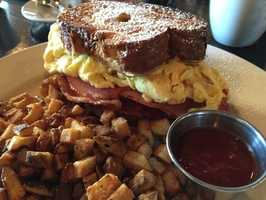 The Farmhouse: (4 stars, 318 reviews)Fresh, local and a great atmosphere to boot. You can't go wrong here, but Yelpers love theFrench Toast Sandwich!