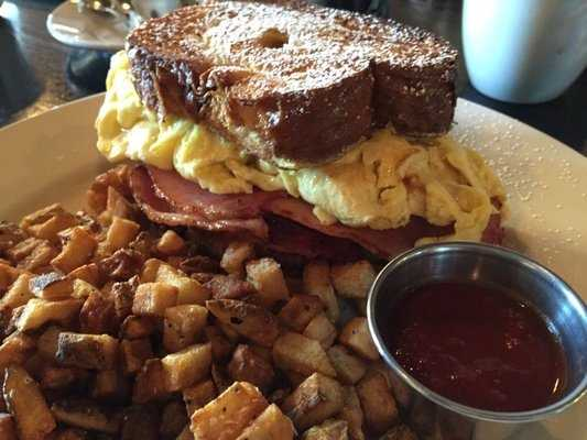 The Farmhouse: (4 stars, 318 reviews)Fresh, local and a great atmosphere to boot. You can't go wrong here, but Yelpers love the French Toast Sandwich!