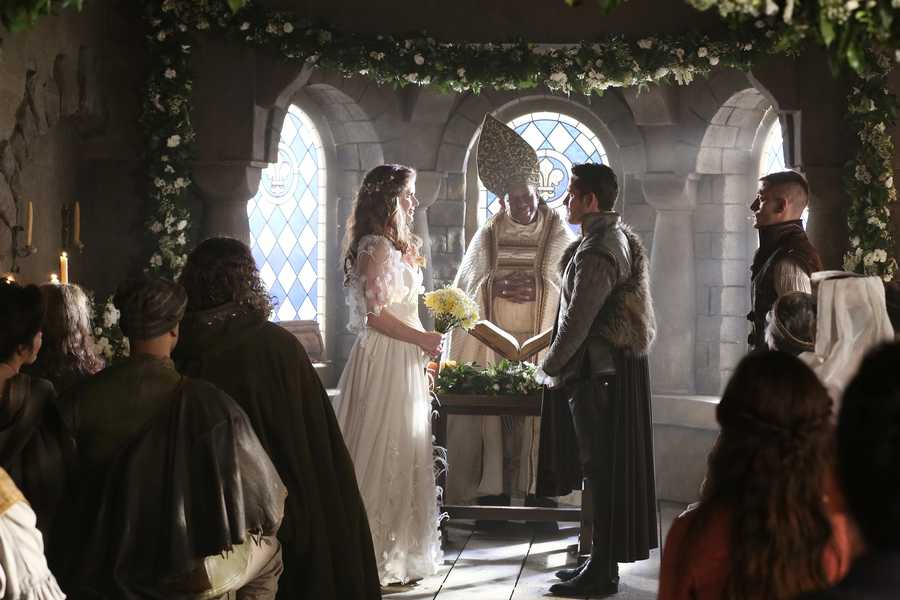 """Once Upon A Time"" continues its storytelling Sundays at 7 p.m. CT"