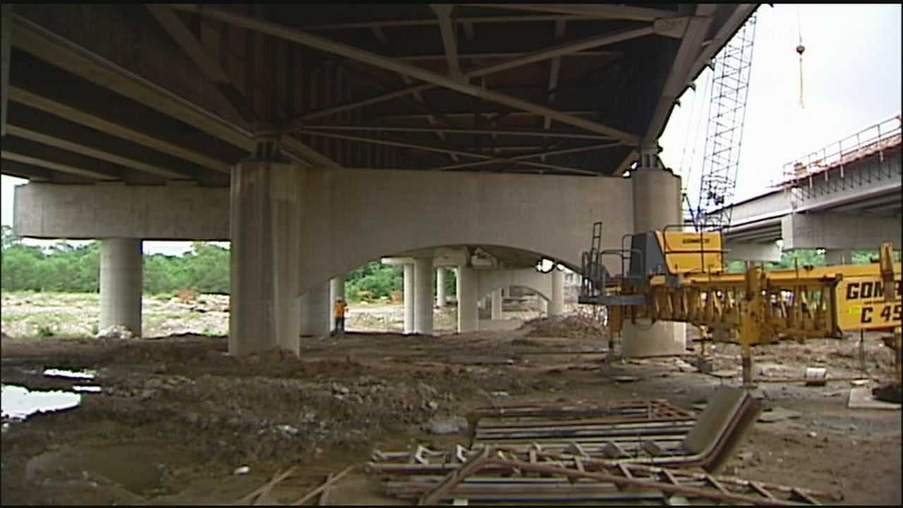 The Missouri Department of Transportation is opening more lanes on the new Interstate 70 bridges at Manchester Trafficway.